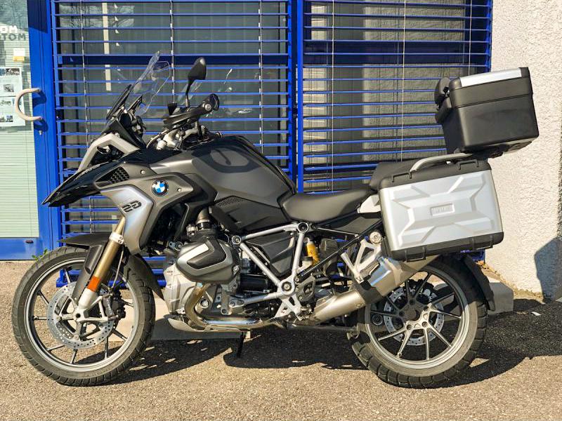Voyage en moto : acheter un sac à dos ou une valise pour moto?